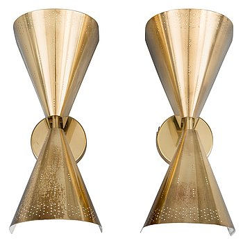 69. PAAVO TYNELL, A SET OF TWO WALL LAMPS.