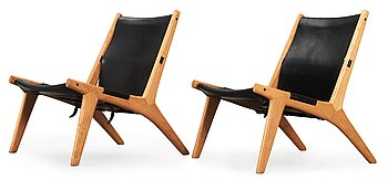 8. A pair of Östen Kristiansson oak and black leather lounge chairs 'Vilstol 204', Vittsjö, Sweden 1950's.