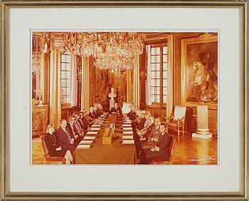 KUNGLIGA FOTOGRAFIER, 2 st, varav den ena Lennart Nilsson, signerad och daterad 1977.