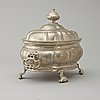 A rococo pewter tureen with cover by l. lundwall, master in jönköping 1761.