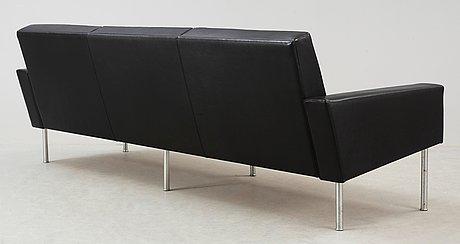 """Hans j wegner, """"lufthavnsofa"""", modell ge-34, ap-stolen, danmark 1950-60-tal."""