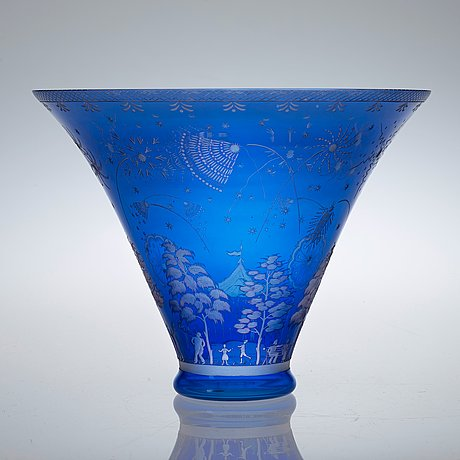 An edward hald engraved glass bowl, orrefors 1945.
