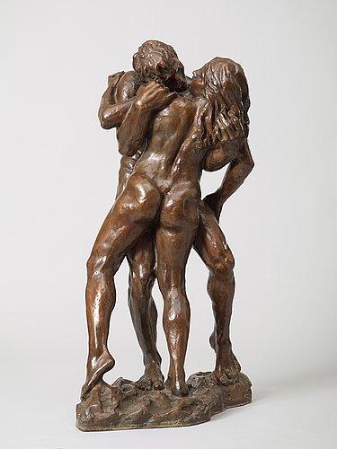 "Per ung, ""omfavnelse"" (=the embrace)."