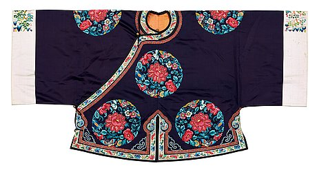 Jacket, silk. china late qing. height 64 cm.