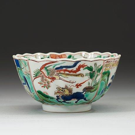 A famille verte lotus shaped bowl, qing dynasty kangxi (1662-1722).