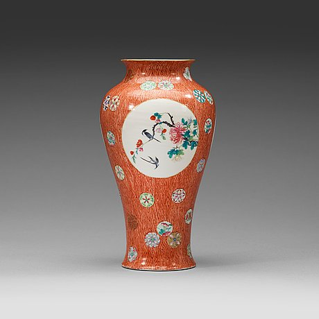 A famille rose vase , qing dynasty, 19th century with qianlong sealmark in red.