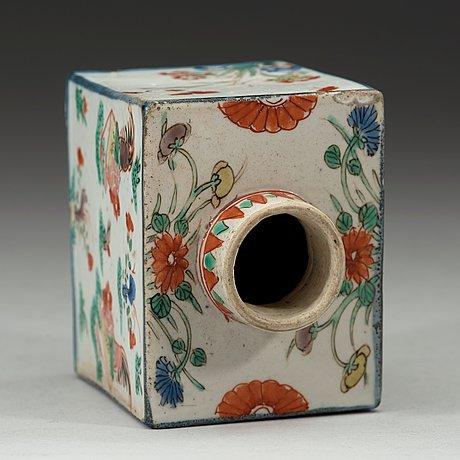 A familler verte tea caddy, qing dynasty, kangxi (1622-1772).