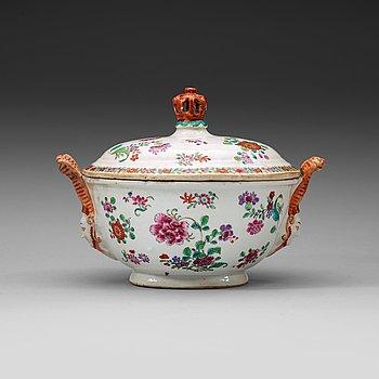 209. A european subject famille rose tureen, Qing dynasty, Qianlong (1736-95).