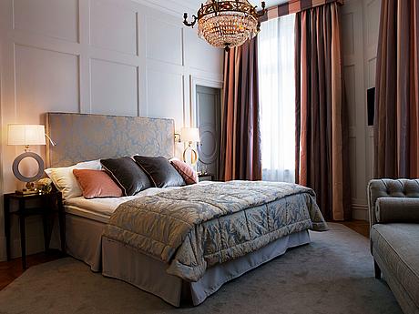Grand hotel, övernattning i deluxe dubbelrum inkl frukost samt entré till grand hotel nordic spa, två pers.