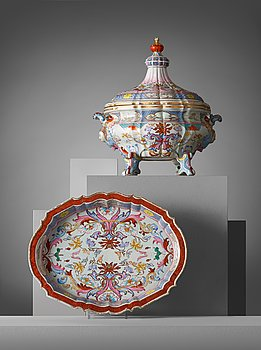504. A rare large, finely painted tureen with cover and stand, Qing dynasty, Qianlong (1736-95).