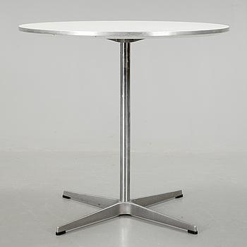 BORD, Arne Jacobsen, Fritz Hansen, 1900/2000-tal.