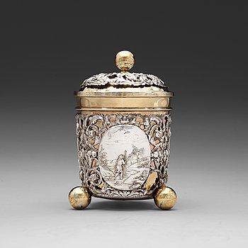 1011. BÄGARE med LOCK, sannolikt av Antoni II Grill, Augsburg (verksam 1720-1734). Senbarock.