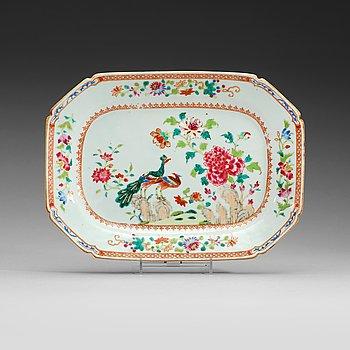 205. A 'Double peacock' serving dish, Qing dynasty, Qianlong (1735-95).