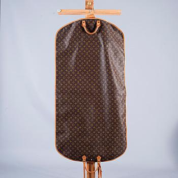 KLÄDÖVERDRAG, Louis Vuitton.