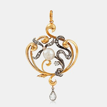 1103. A pearl and diamond pendant/brooch. Made in S:t Petersburg, by Jastermijsk circa late 19th- early 20th century.