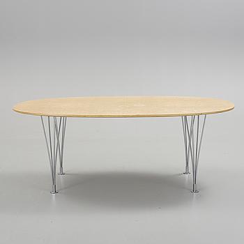 """SOFFBORD, """"Superellips"""" Design Bruno Mathsson och Piet Hein för Fritz Hansen, 1900-talets andra hälft."""