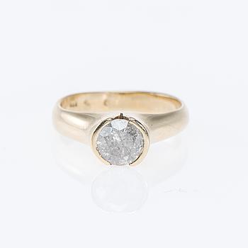 RING, 14K guld, briljantslipad diamant. Vikt ca 6,0 g.