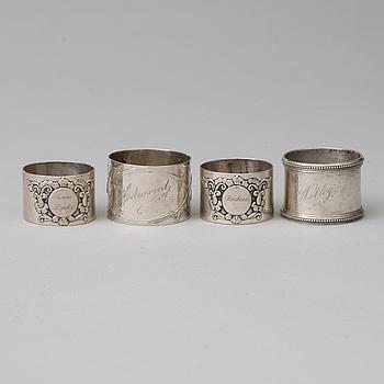 SERVETTRINGAR, sterlingsilver, ett par, London 1896, och 2 st, 800 silver, 1900-tal. Totalvikt 148 g.