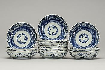 SKÅLFAT, porslin, 12 st, Japan, 1900-talets första hälft.