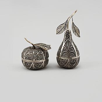OBJEKT, 2 st, silver, utländska stämplar, 1900-tal, vikt 270 gram.