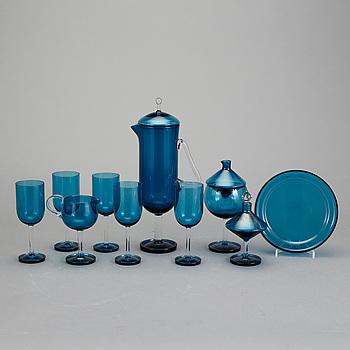 """GLASSERVIS, 9 delar """"Harlekiini, Nanny Still, Riihimäsen Lasi, 1960-tal."""