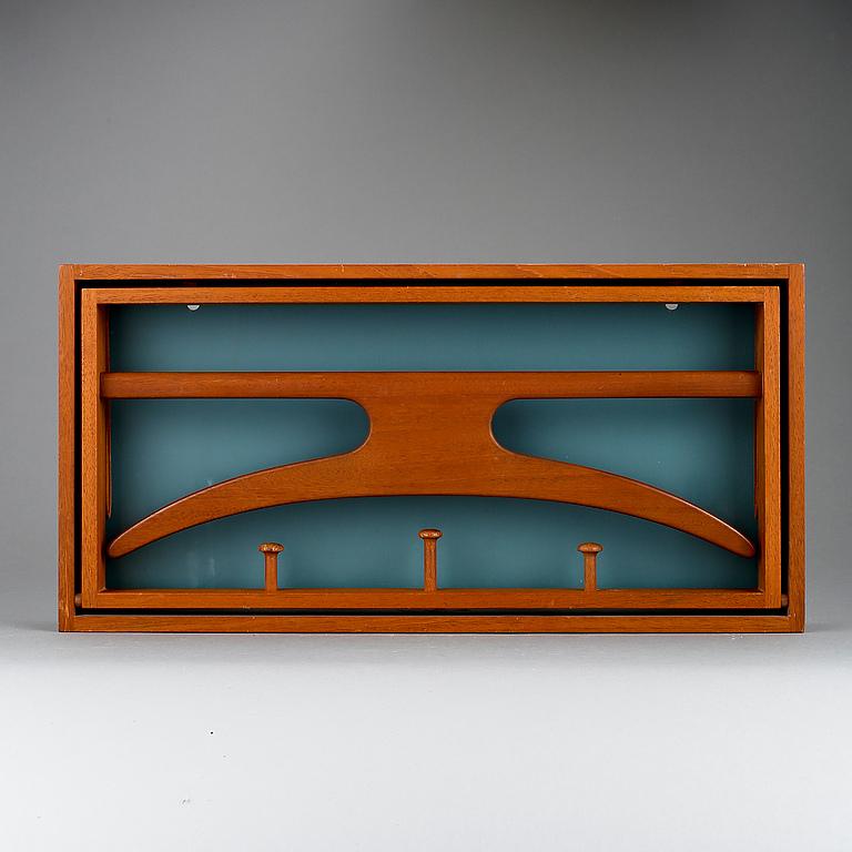 KLäDHäNGARE för vägg, Adam Hoff och PaulÖstergaard, Virum möbelsnedkeri, 1950 60 tal