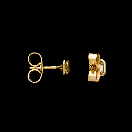 ÖrhÄngen, 18k guld, smaragdslipade diamanter. t. tillander, 2006. vikt totalt ca 1,6 g