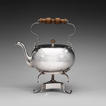 406. A Baltic 18th century silver tea-pot and stand, marks of Andreas Gabriel Berg, Dorpat (1735-1764).
