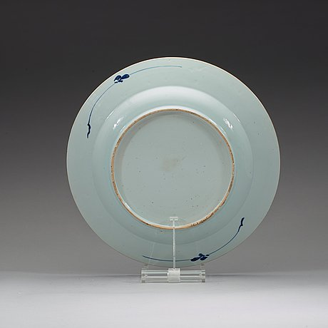A large blue and white dish, qing dynasty, 18th century.