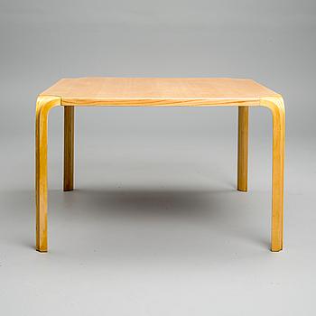 BORD, modell MX800C Alvar Aalto, Artek, 1900-talets slut.