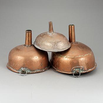 TRATTAR, 3 stycken, koppar, 1800-talets första hälft.