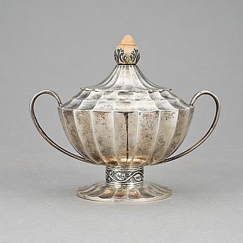 BONBONIERE, silver, Österrike-Ungern, 1800-talets slut. Vikt ca 435 g.