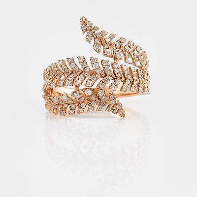 RING, 18K roséguld med briljantslipade diamanter ca 0.69 ct. Vikt 4,5 gram.