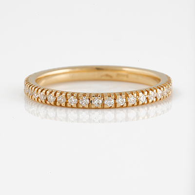 RING, 18K guld med briljantslipade diamanter ca 0.42 ct, Vikt 2,1 gram.