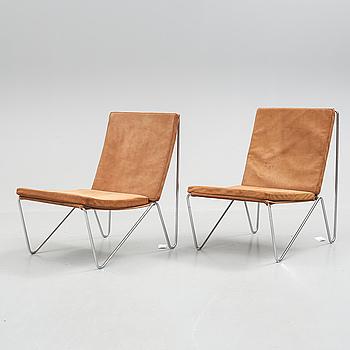 """FÅTÖLJER, ett par, """"Bachelor chair"""", Verner Panton för Fritz Hansen."""