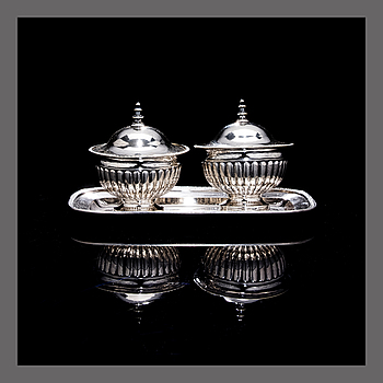 A PAIR OF DESSERT BOWLS, silver. Anders Lundqvist. Stockholm 1817.