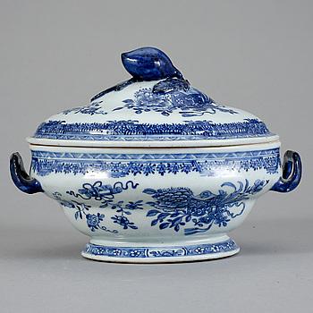 TERRIN, porslin, Kina, Qianlong (1736-95).