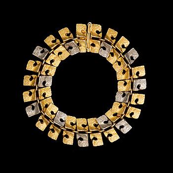 BJÖRN WECKSTRÖM, BJÖRN WECKSTRÖM, BRACELET C-bracelet, 14K white- and yellow gold, BRW 1965. Unique.