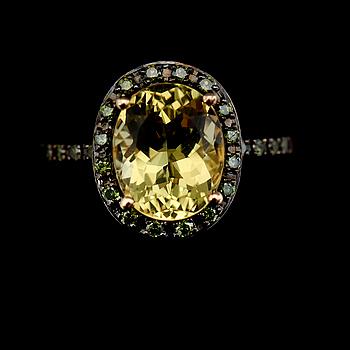 RING, 14K guld, grönfärgade diamanter och citrongul topas.