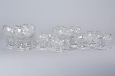 "GLASSERVIS, 33 st, ""Kekkerit"" design Timo Sarpaneva, Iittala 1970/1980-tal."