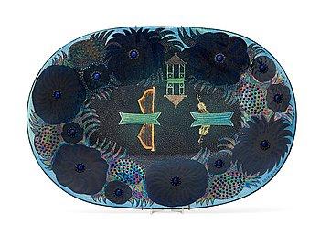 7. Birger Kaipiainen, A Birger Kaipiainen stoneware dish, Arabia, Finland.
