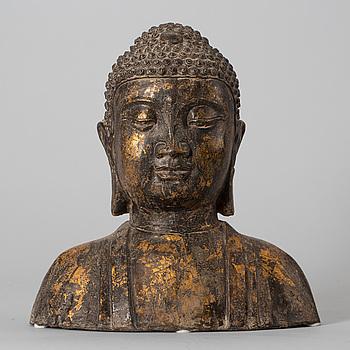 BUDDHA, Kina, 1900-tal eller möjligen äldre, delvis förgylld brons.