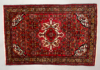 MATTA, orientalisk. Ca 203x134 cm.