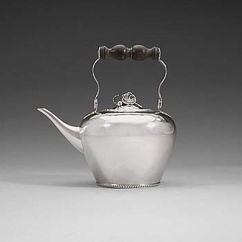 405. A Swedish 18th century silver tea-pot and stand, marks of Pehr Zethelius, Stockholm 1782.