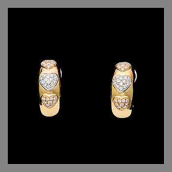 A PAIR OF EARRINGS, Chimento, 18K gold, brilliant cut diamonds. Weight in total c. 13.4 g.