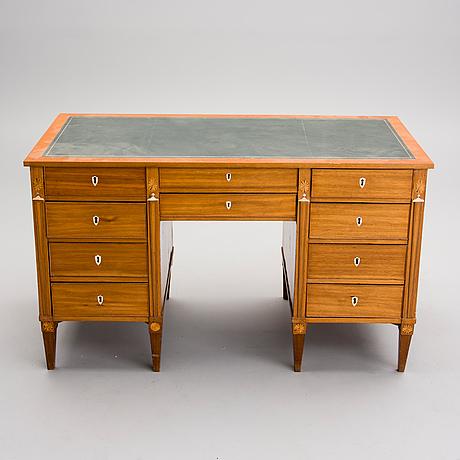 Sengustavianskt skrivbord, 1800 talets början