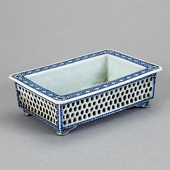 NARCISSKÅL, porslin, Kina, 1800-tal.