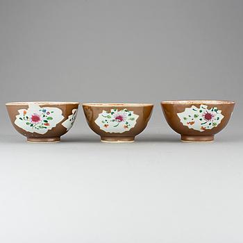 SKÅLAR, 3 st, porslin, Kina, 1700-tal.