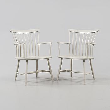 """KARMSTOLAR, ett par, """"Åkerblomstolen"""", formgiven av Gunnar Eklöf m fl, 1900-talets andra hälft."""