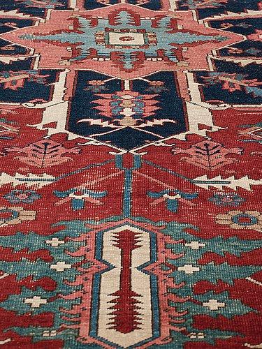 Carpet antique heriz. 389,5 x 290 cm.